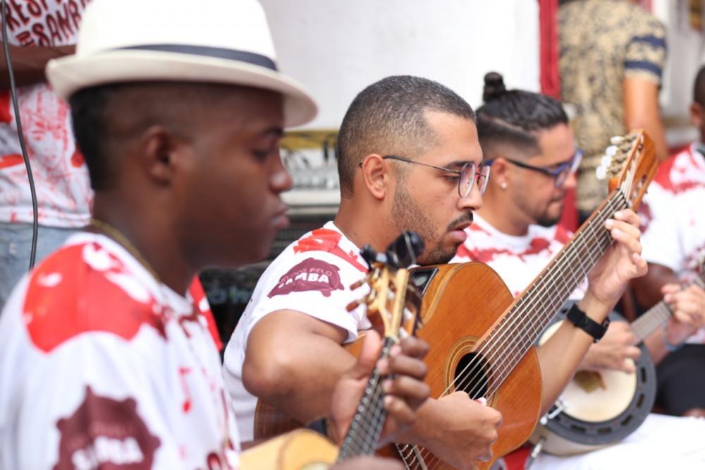 Coletivo Unidos pelo Samba realiza grande roda de samba neste domingo (8)