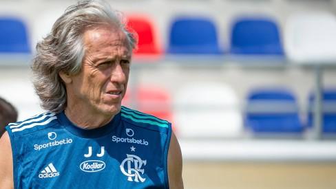 Perto de renovar com o Flamengo, Jesus diz que aceitaria dirigir o Brasil