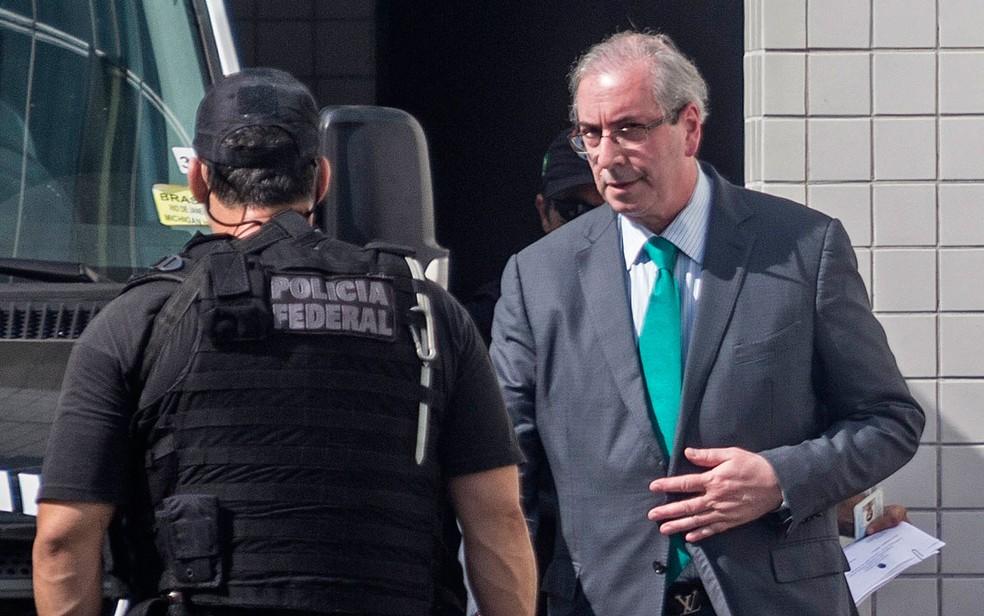 Justiça manda Eduardo Cunha para prisão domiciliar