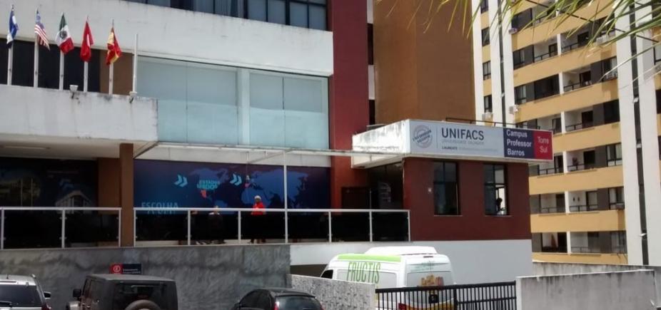 Estudantes revoltados com plataforma da UNIFACS