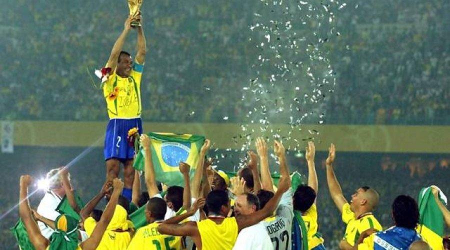 Globo vai reprisar final da Copa do Mundo de 2002