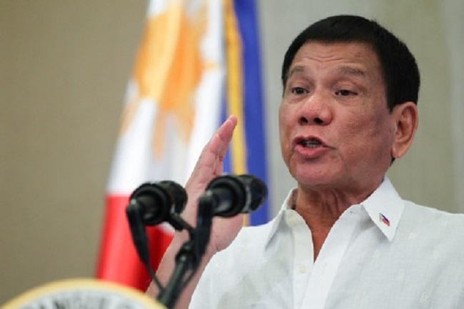 """Presidente da Filipinas manda atirar contra quem não cumprir o isolamento: """"Mate-os"""""""
