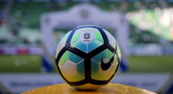Estudo diz que calendário brasileiro é incompatível com o futebol