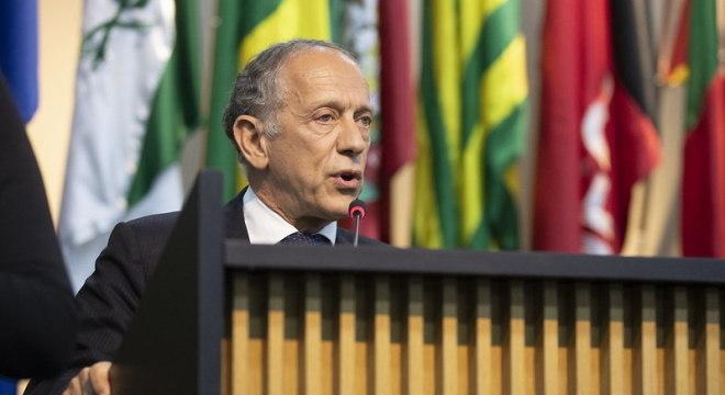 Secretário Geral da CBF não prevê retorno 'total' do futebol em maio