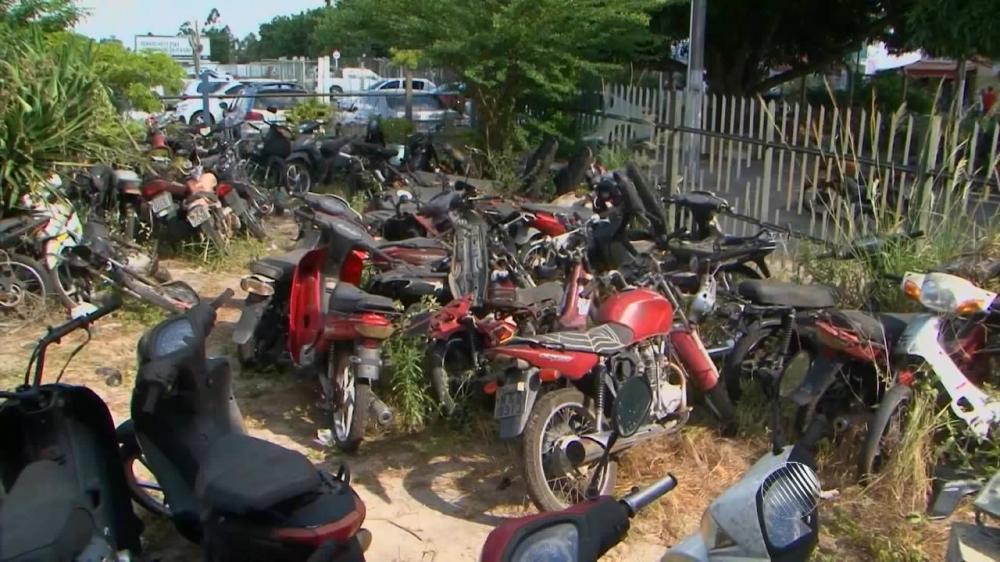 Estado deve apresentar lista completa de veículos em complexo policial de Feira