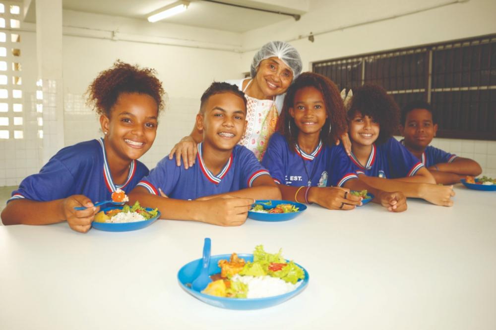 Vale-alimentação estudantil será distribuído nesta segunda-feira (20)