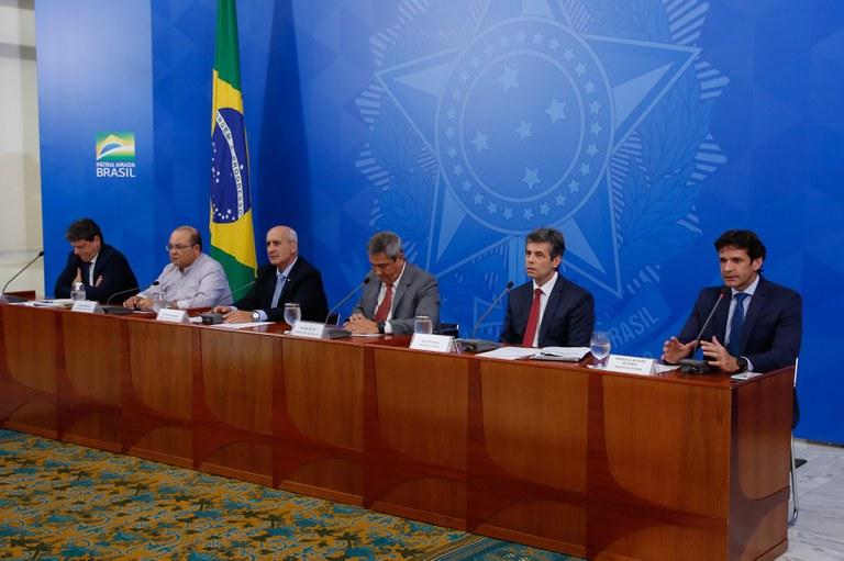 Governo prepara retomada do crescimento socioeconômico