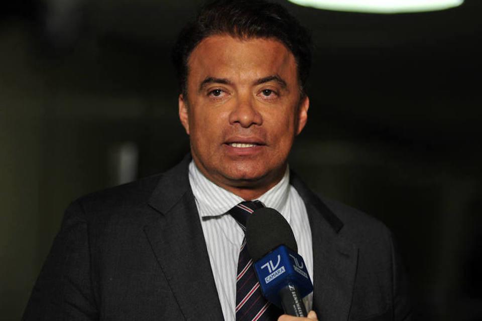 Ex-deputado é denunciado por distribuição irregular de remédios para Covid-19