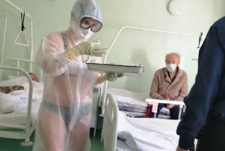 Enfermeira vai trabalhar somente de lingerie com proteção anticoronavírus