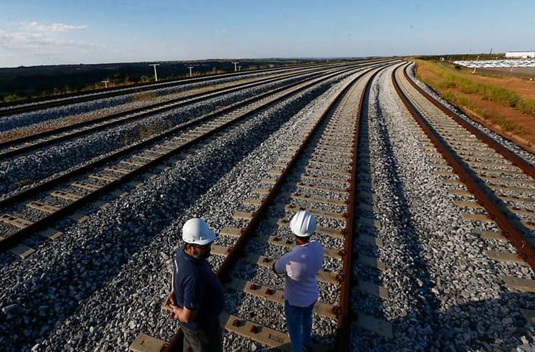 Brasil planeja atrair R$ 250 bilhões nos próximos anos