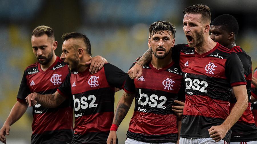 Flamengo negocia contrato de R$ 40 milhões com a Amazon