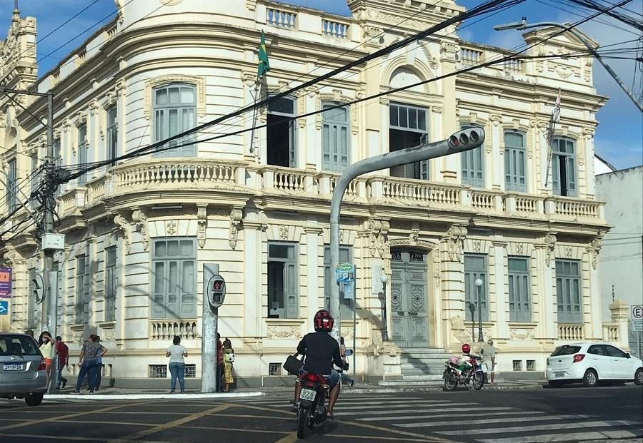 Adesão da população ao isolamento segue abaixo de 50 por cento em Feira de Santana
