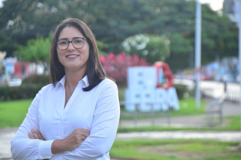 Louise Novais será vice de Carlos Medeiros na disputa para Prefeitura de Feira de Santana