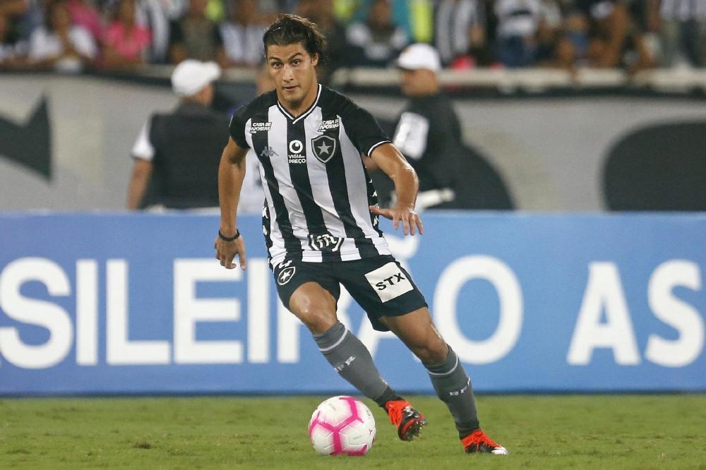 Corinthians negocia contratação de Marcinho do Botafogo