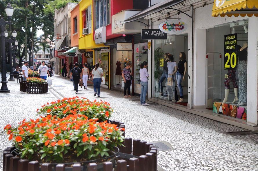 Brasil registra saldo de quase 700 mil empresas abertas nos primeiros quatro meses do ano