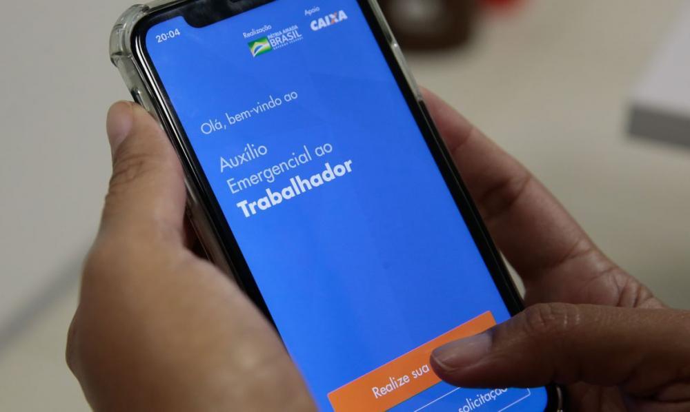 Caixa paga auxílio de R$ 600 a mais 1,9 milhão de pessoas nesta 2ª