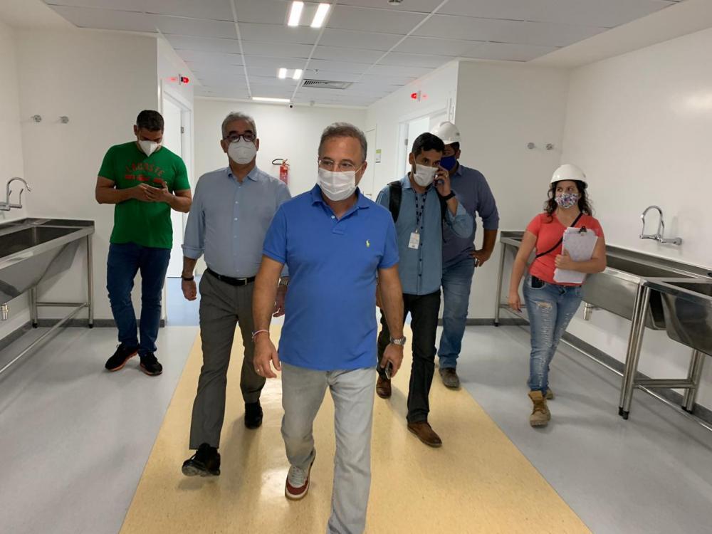 Secretário Estadual de Saúde visita obra do novo Hospital Clériston Andrade