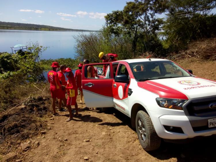 Cinco pessoas estão desaparecidas após embarcação virar no Rio Paraguaçu