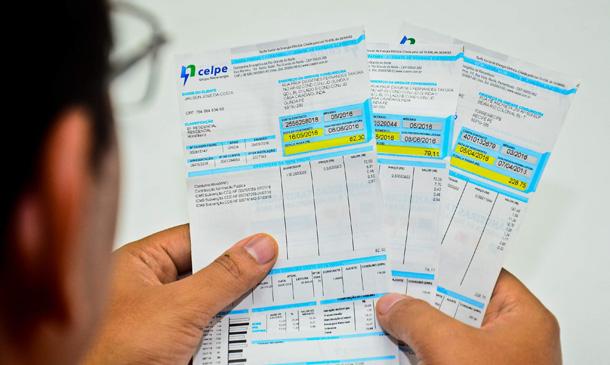 Consumidores de baixa renda voltarão a pagar conta de luz