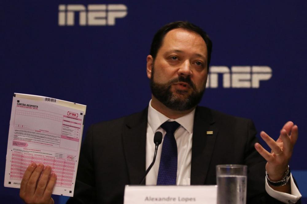 Inep diz que erros na correção do Enem foram revistos