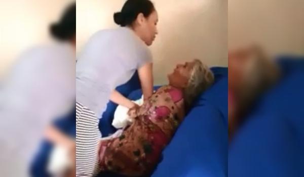 Cantora evangélica é flagrada batendo na sogra de 73 anos