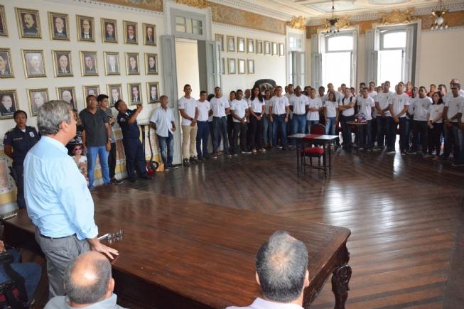 Prefeito Colbert Martins Filho dá posse a cinquenta e oito guardas municipais