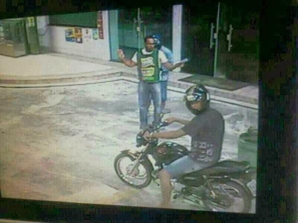 policial assaltante