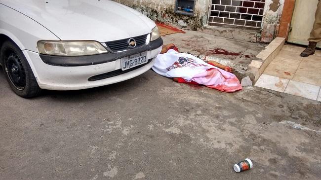 vendedor de carro morto
